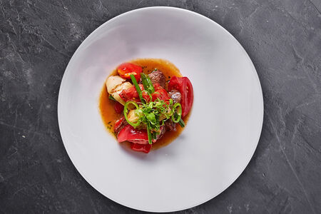 Теплый салат с вырезкой