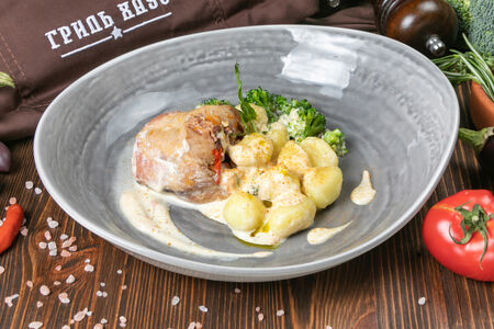 Ньокки с кроликом в сметанном соусе