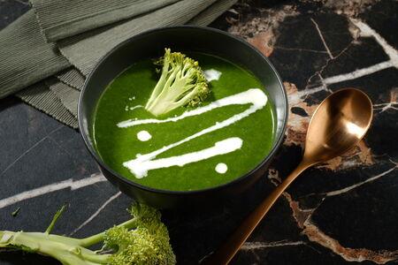 Суп крем из спаржи и брокколи