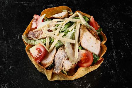 Клаб-салат с курицей
