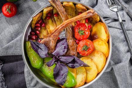 Жаркое из бараньей корейки с овощами по-азербайджански