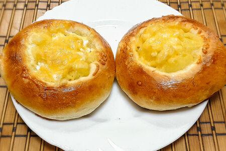 Плюшка с картофелем и сыром