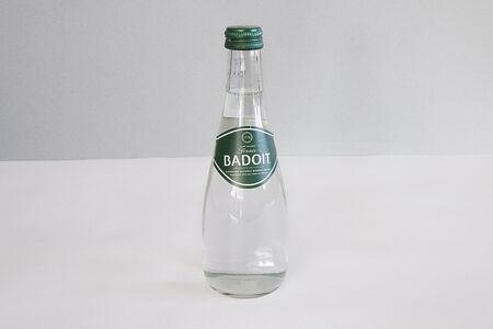 Вода минеральная Badoit