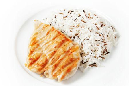 Куриное филе на гриле с рисом