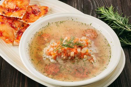 Рачийский суп с судаком