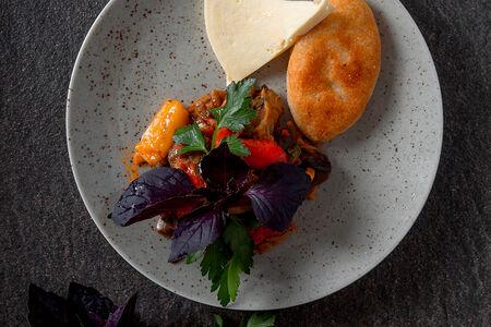 Аджапсандали с сыром и мчади