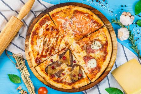 Пицца с курицей и томатной сальсой