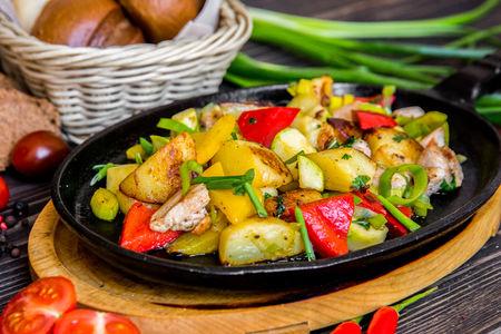 Горячая сковородка со свининой