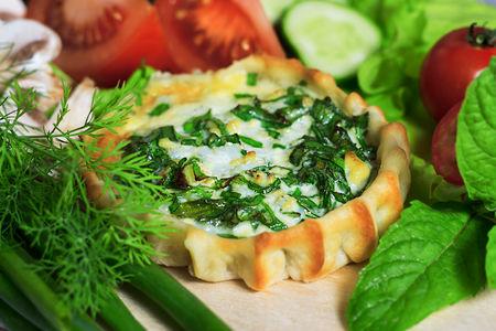 Перепечки с яйцом и зеленым луком