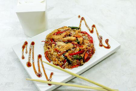Рис Тяхан с курицей и овощами