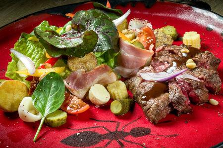 Стейк-салат Титано