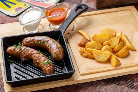 Домашние колбаски из свинины и говядины