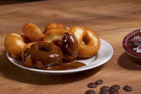 Пончики с горячим шоколадом