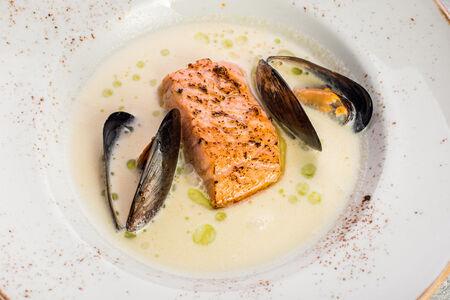 Суп Фламандский Ватерзой с морепродуктами