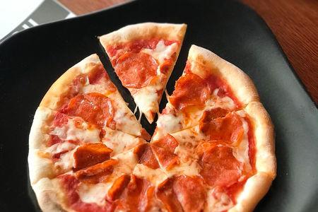 Пицца Салями пикантная
