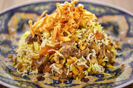 Хан-плов с телятиной, сухофруктами и орехами