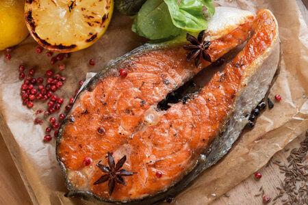 Сочный кусок красной рыбы