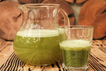 Свежевыжатый сок сельдерей
