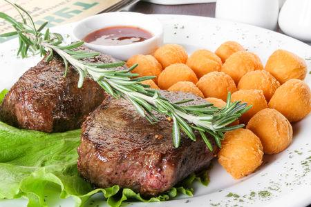Миньон с картофельными шариками
