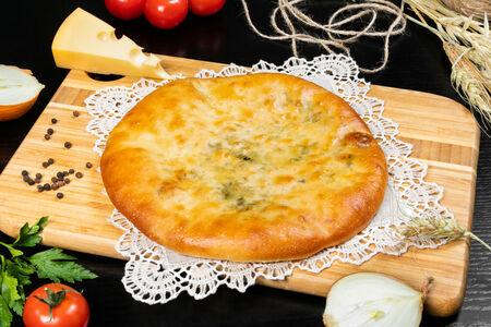 Осетинский пирог сыр-зелень