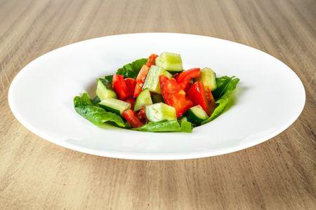 Салат из свежих бакинских томатов