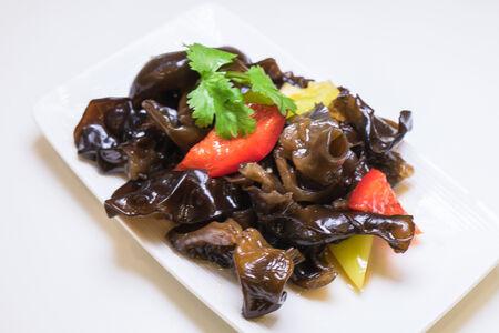 Салат из черных китайских грибов