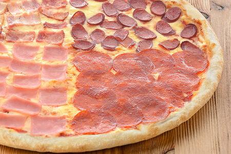 Пицца Сытная четверка