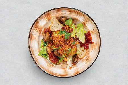 Салат с карамелизированным беконом