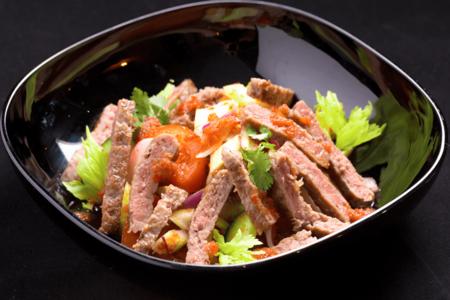 Салат с рубленой говядиной