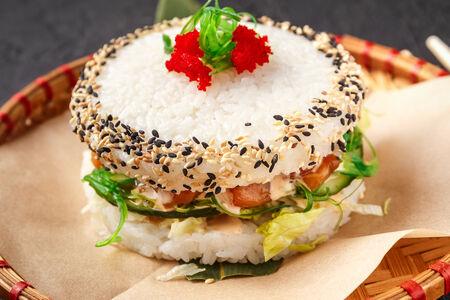 Бургер Рисовый с лососем