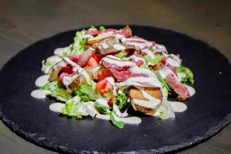 Салат с ростбифом и бейби-картофелем
