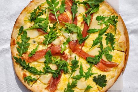 Пицца Пера кон парма