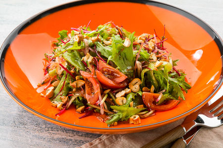 Азиатский салат с кешью