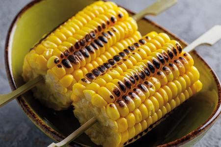 Початок сладкой кукурузы гриль