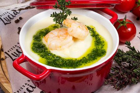 Сливочно-сырный крем-суп с тигровыми креветками