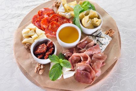 Сырно-гастрономическая тарелка