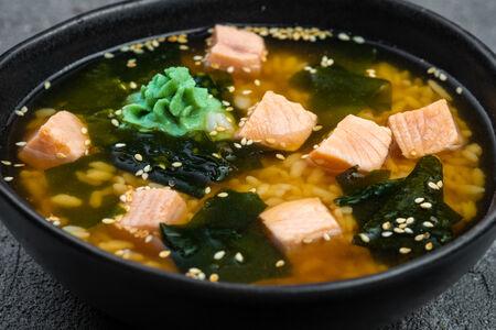Суп с лососем и васаби