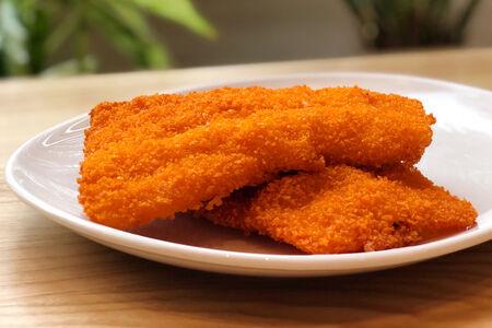 Куриное филе, жаренное в панировке с паприкой