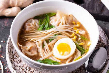 Утиный суп с вонтонами