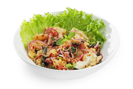 Салат с треской и мятой по-тайски