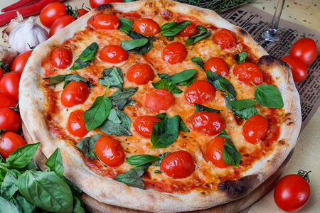 Пицца Капрезе по-летнему