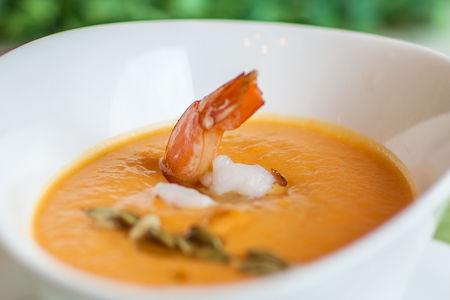 Крем-суп из тыквы с креветкой