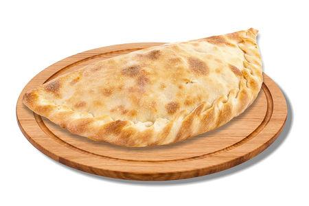 Кальцоне с ветчиной и сыром