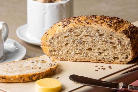Хлеб Деревенский с семечками льна