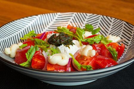 Салат Квели с томатами