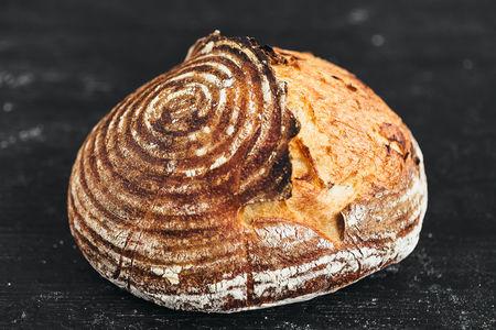 Хлеб Артизанский с черносливом