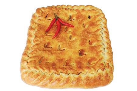 Пирог с курицей и картофелем на слоеном тесте