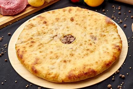 Осетинский пирог с мясом, картофелем и сыром