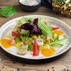 Фото к позиции меню Салат с крабом и авокадо