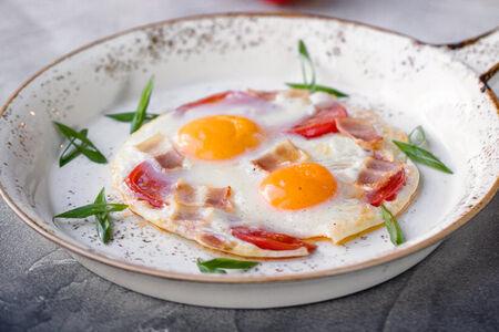 Яичница из двух яиц